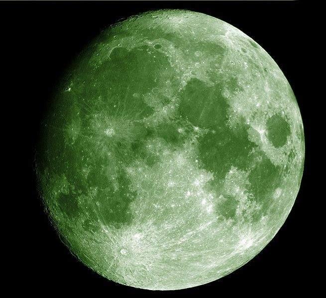 luna-verde-luz-verde-masajistas-valientes-antonReina