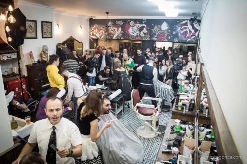 Masaje sentado en la Barbería de Diego - Movember 2015 @antonReina - Guadalupe-Murcia